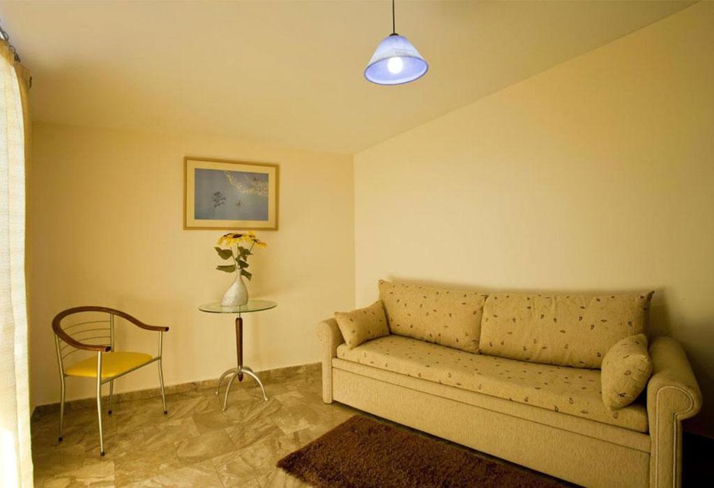 viaros-three-bedroom-1